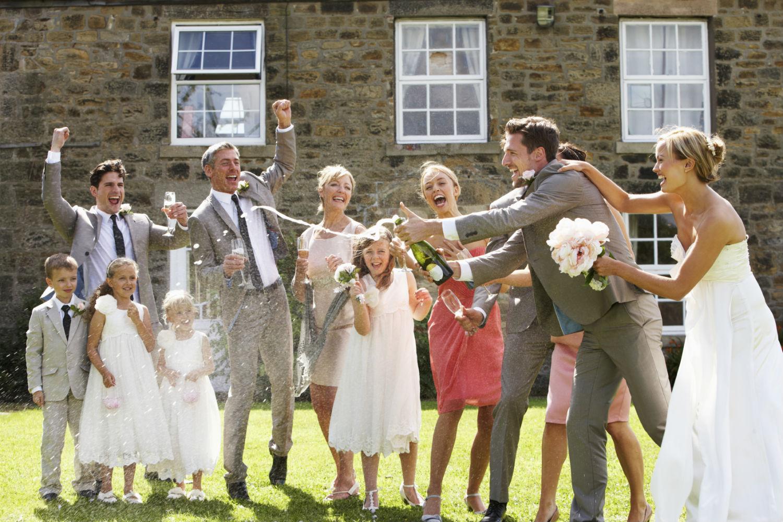 Was trägt man zur Hochzeit als Gast? - Do\'s und Dont\'s - Online ...