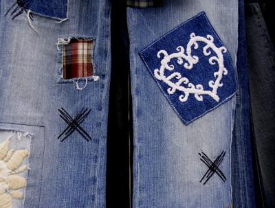 Jeans aufgepeppt mit Aufnähern