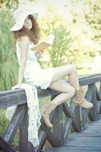 Kleid und Stiefel