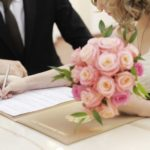 Was zieht man zum Standesamt an? - Tipps für Braut und Bräutigam