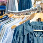 Die besten Flohmarkt-Tipps: Kleidung verkaufen leicht gemacht!