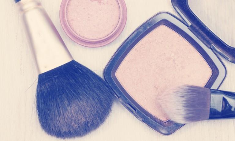 MakeUp und Pinsel