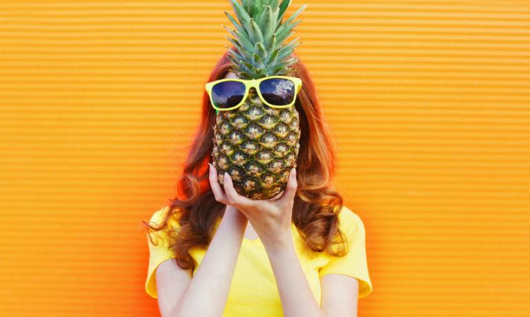 vegane Mode - Ananas mit Sonnenbrille